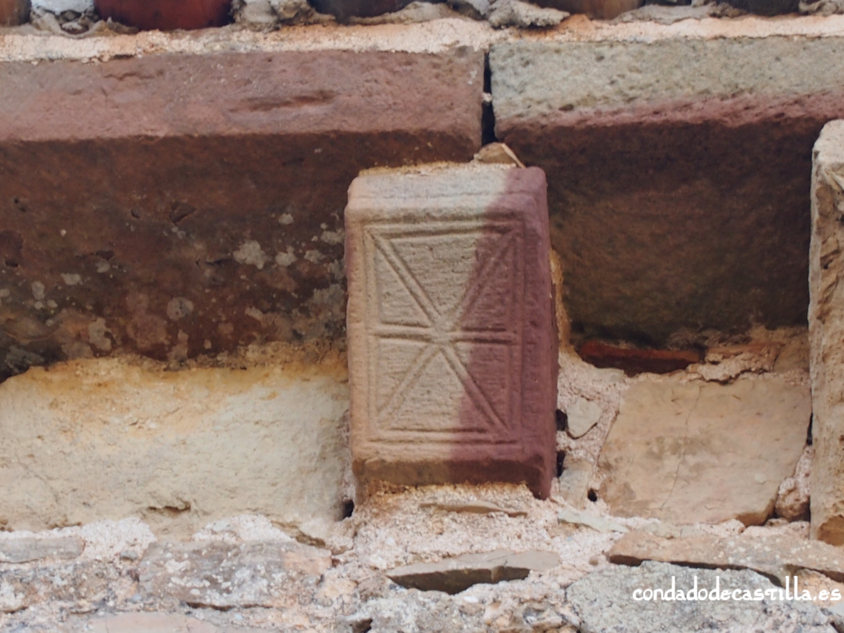 Cabecillo con forma de damero. Ermita de la Virgen del Cerro, Cueva de Juarros