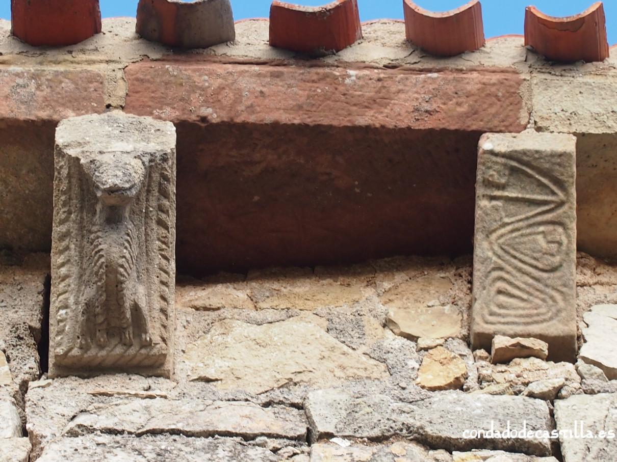 Canecillos muro sur ermita de la Virgen del Cerro, Cueva de Juarros