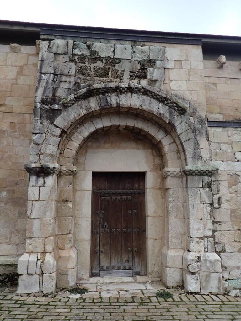 Portada de San Román de Tobillas