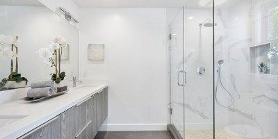 Jak urządzić nowoczesną łazienkę z kabiną prysznicową