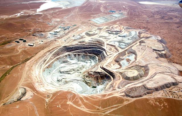 Ökologisch nachhaltige Produktion auch im Bergbau: Die Kupfermine Collahuasi in Chile überprüft ihren sogenannten Kohlendioxid-Fußabdruck.