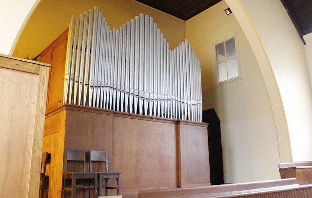 Die renovierte Orgel im Obergeschoss der Kirche El Redentor