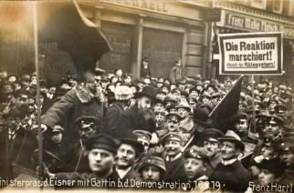Eine Demonstration für die Räterepublik am 16. Februar 1919 in München, wenige Tage vor Kurt Eisners Ermordung. Foto: Stadtmuseum