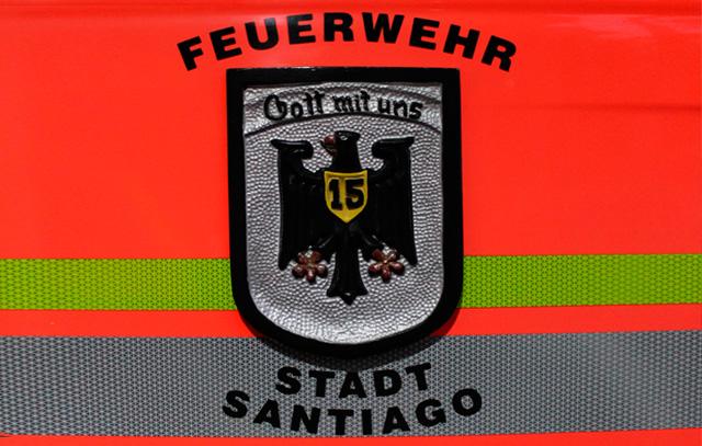 Der Wahlspruch «Gott mit uns» auf einem Feuerwehrfahrzeug