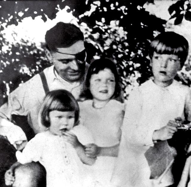 Geschichte 50 Jahre Stauffenberg