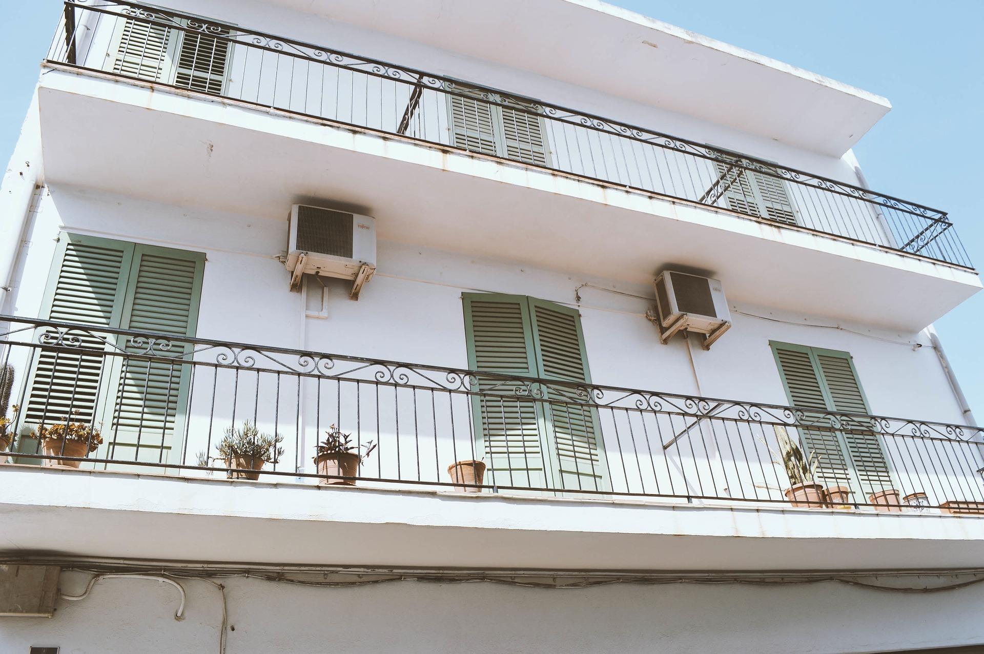 Ripartizione delle spese di balconi aggettanti. - CondoStudio