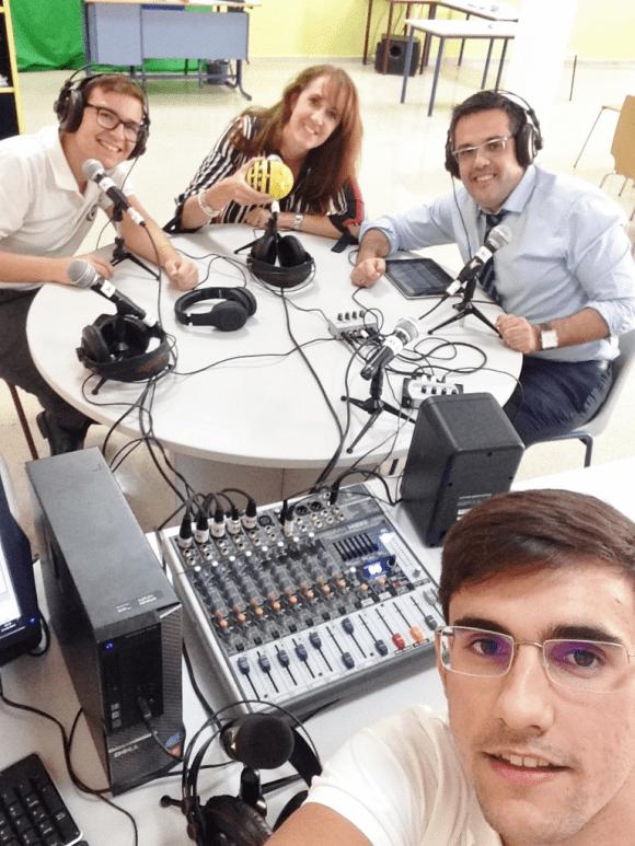 Selfie de parte del equipo de conectadosPodcast