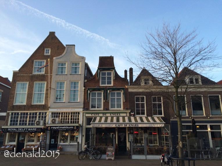 Setelah belanja sayuran selesai, jalan-jalan sebentar diseputaran Stadhuis Delft