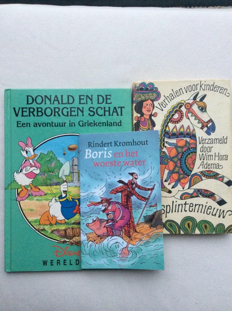 3 buku seharga 4 euro