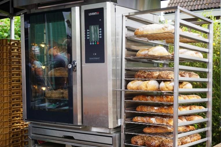 Roti dan ovennya