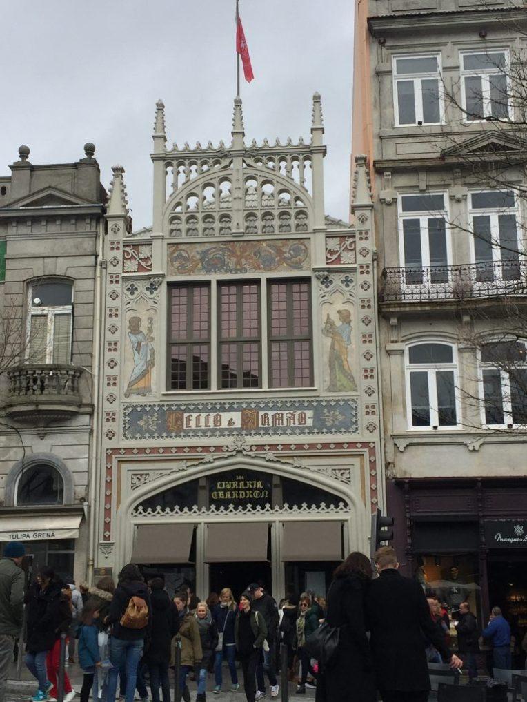 Livraria Lello - Salah satu toko buku terindah di dunia - Porto - Portugal