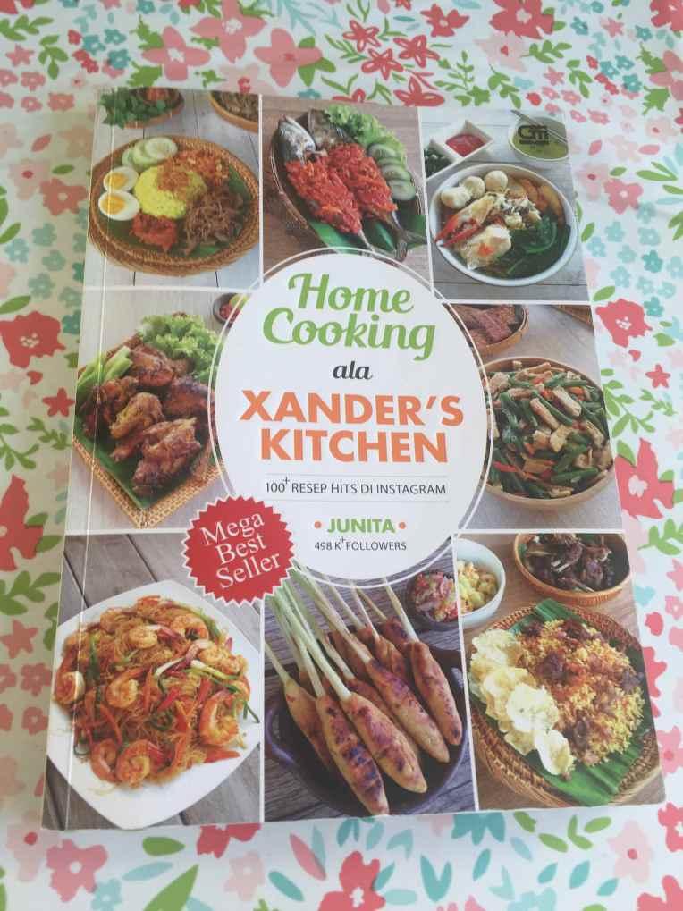 Buku resep masakan penolong kalau lagi males mikir mau masak apa