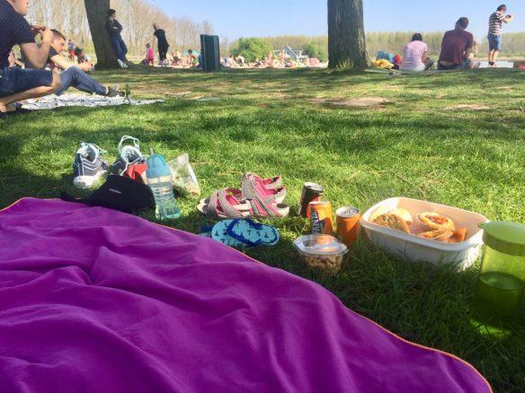 Piknik di pantal abal abal