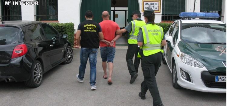 La Guardia Civil de Canals detiene a dos individuos por los delitos de trata de seres humanos y explotación sexual
