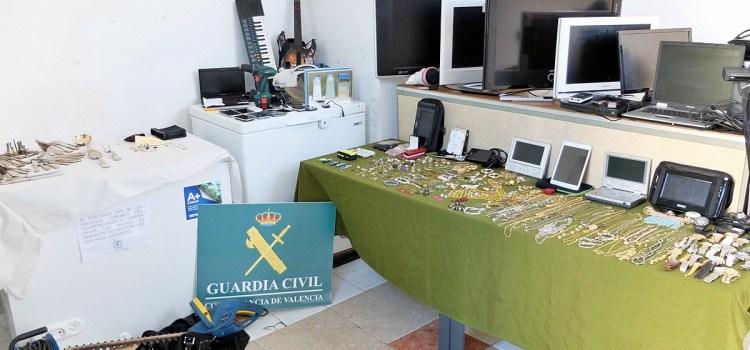 Objetos robados ya están expuestos en el cuartel de la Guardia Civil de Canals