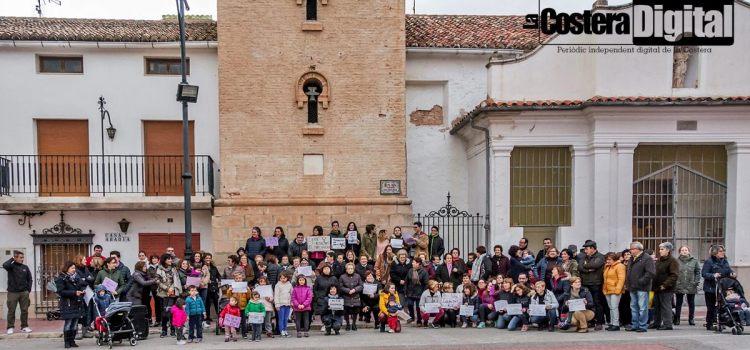 Un grup de dones de Fontanars dels Alforins convoquen una concentració espontània