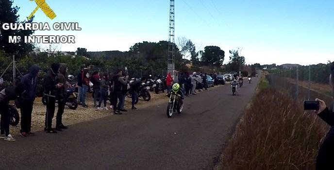 La Guardia Civil investiga a 6 personas implicadas en un accidente con una víctima mortal mientras realizaban carreras ilegales de motos