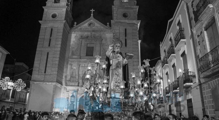 L'Ajuntament de Canals anima als veins a lluir els penons de Sant Antoni als balcons