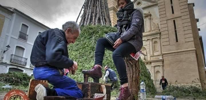 """Muy pronto saldrá a la luz el libro de Miguel Martínez Claumarchirant """" El Limpia"""", escrito por su nieta Marisol."""