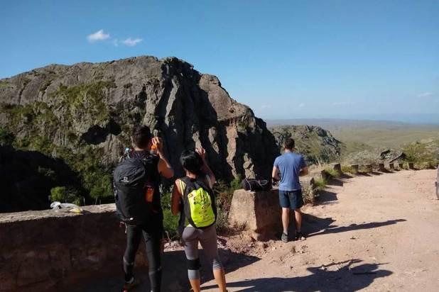Escaladas, caminatas y kayak con CBA Sierras