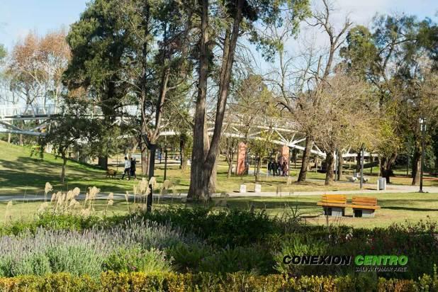 Entre arte y mates en el Parque Kempes