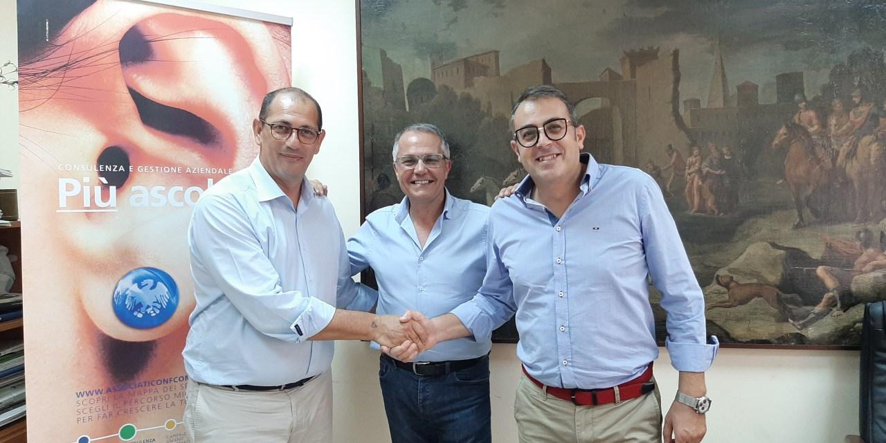Festa in casa Confcommercio: omaggio al Direttore Vincenzo Cipolla