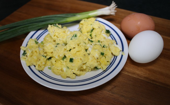 Sour Cream & Onion Scrambled Eggs - Confessions of a Fitness ...
