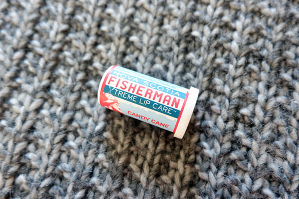 Suffer from stubburn dry, cracked winter lips or peri-oral dermatitis? I feel your pain! Here are 5 treatments for dry chapped lips that I find work the best!