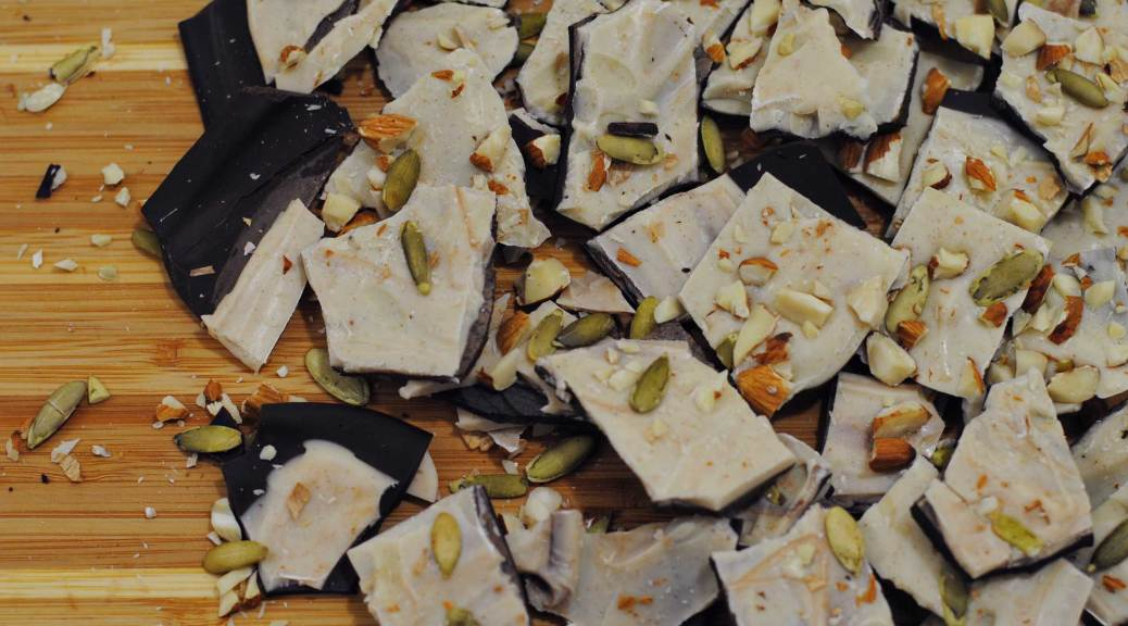 Dark Chocolate Pumpkin Spice Bark | Confessions of a Midnight Baker