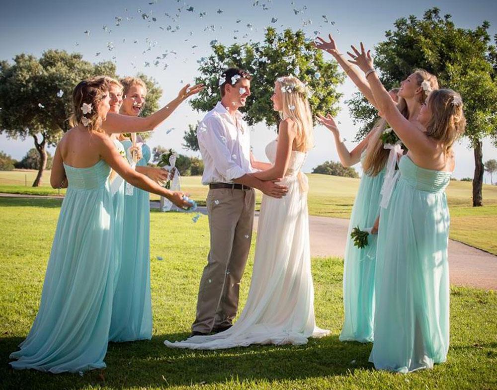 Petal Confetti - Hydrangea Petals - Confetti Throw