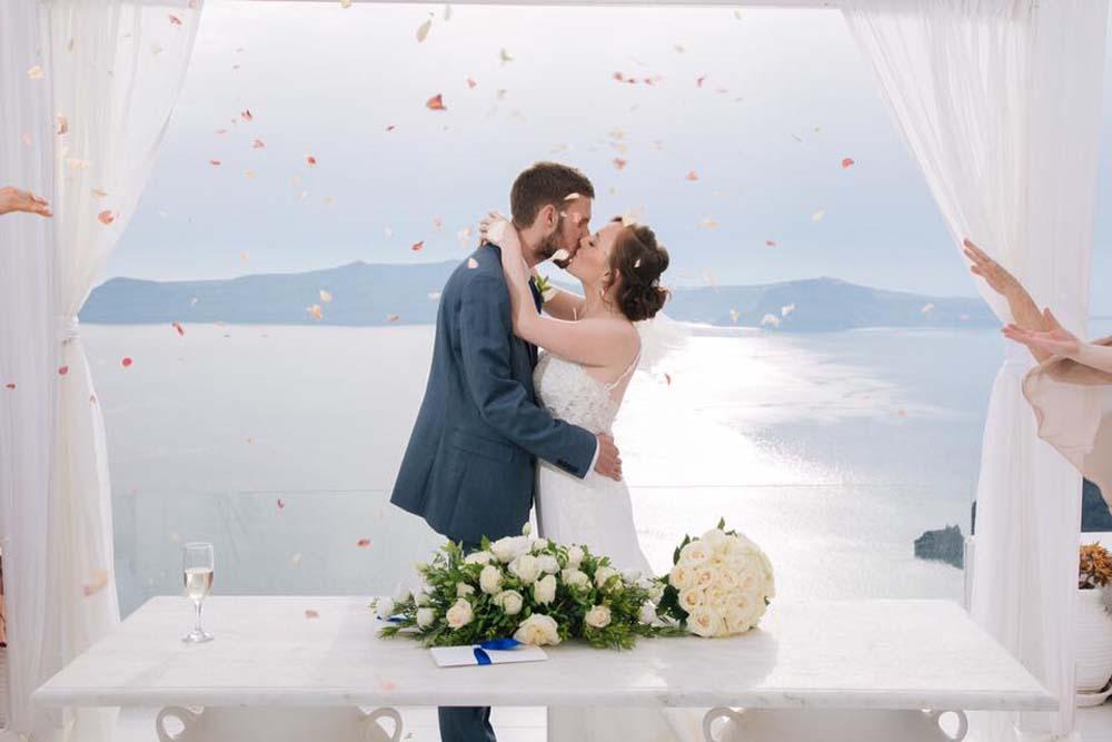 Confetti Photo - real flower confetti - confetti kiss