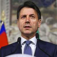 Giuseppe Conte promette soldi per gli statali che non ha.