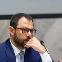 Il Ministro Patuanelli prenota 2,4 milioni di euro di consulenze esterne al MISE. La denuncia di Confintesa