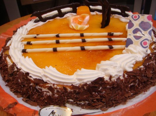 Tarta de Nata y Yema Tostada