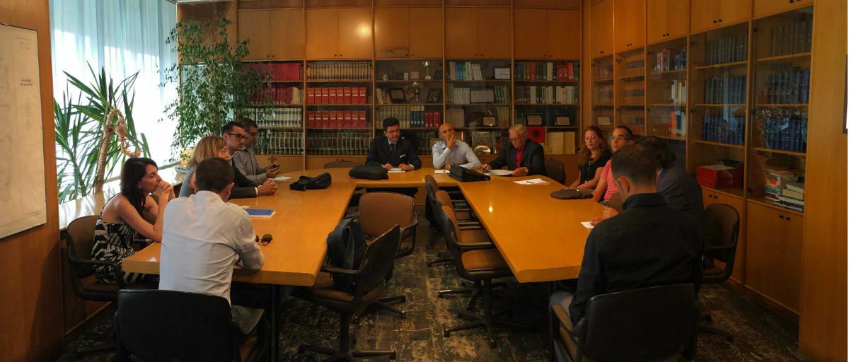 I componenti della Commissione nella sala Biblioteca dell'ENAS
