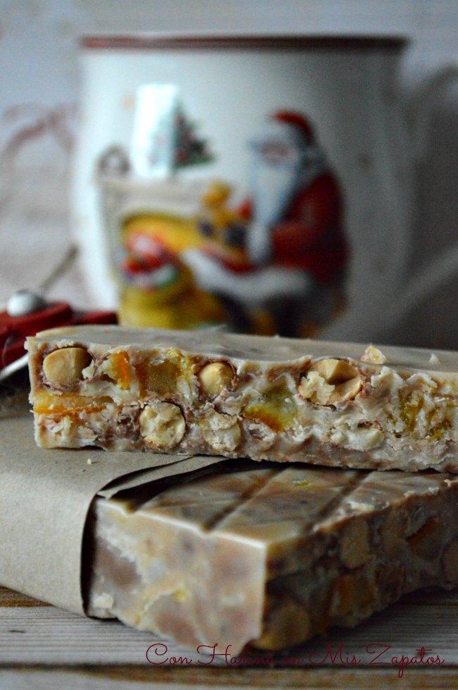 Turrón de Chocolate Blanco, Conguitos y Naranja Confitada