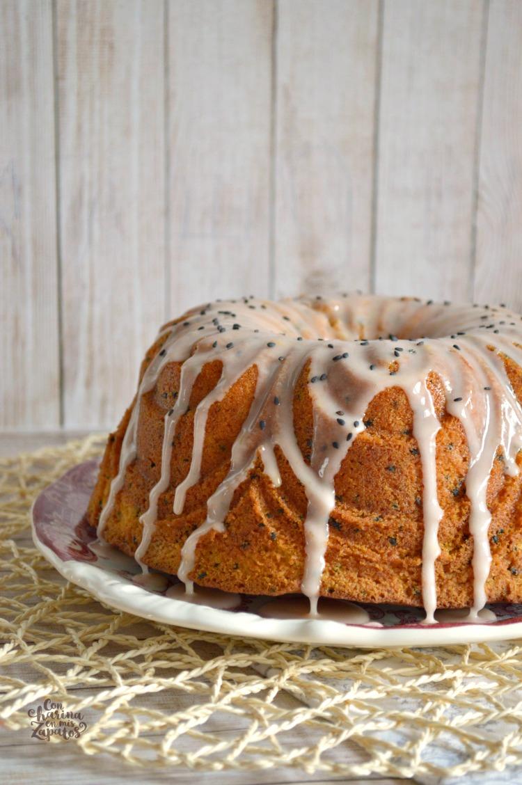 Bundt Cake de Naranja Sanguina y Sésamo Negro