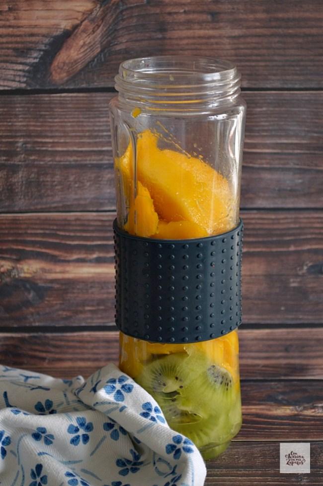 Batido de Mango y Kiwi | CON HARINA EN MIS ZAPATOS