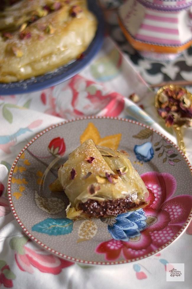 Pastel Árabe de Chocolate y Almendra   CON HARINA EN MIS ZAPATOS