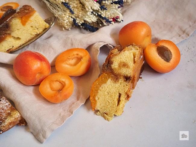 Pastel Invertido de Albaricoques | CON HARINA EN MIS ZAPATOS