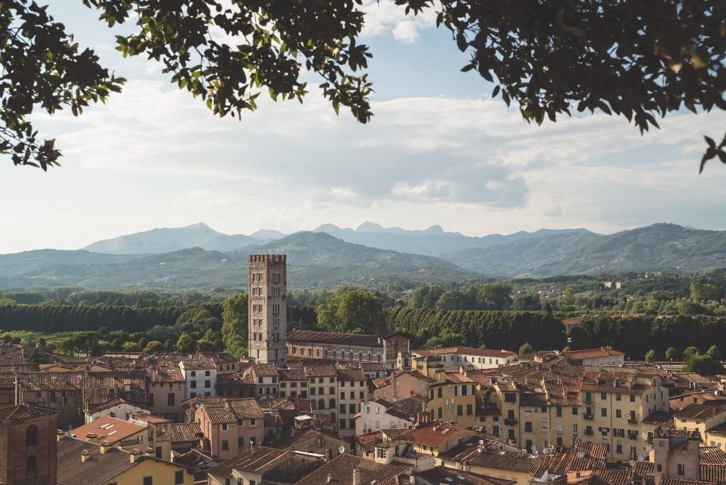 Pueblo de la Toscana (italia) conmisojos