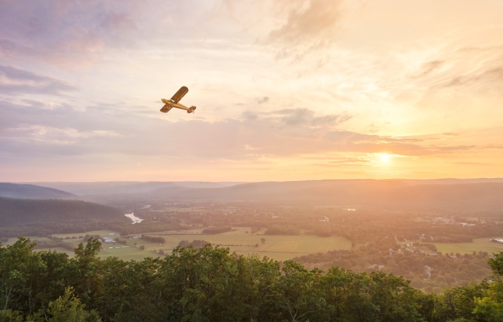 Sunset and plane in Chemung County at Harris Hill Soaring - Finger Lakes area - Conmisojos - Fotógrafo de viajes /Travel photographer