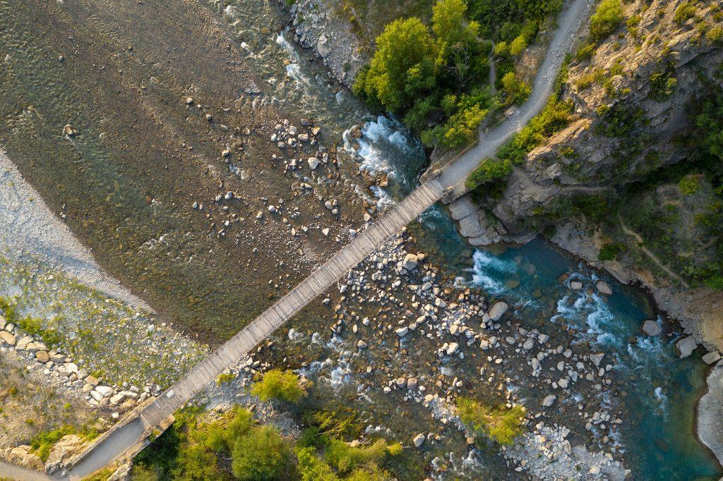 Video sobre el puente de Jánovas en el Pirineo Aragones desde dron DJI Mavic 2 Pro - Conmisojos