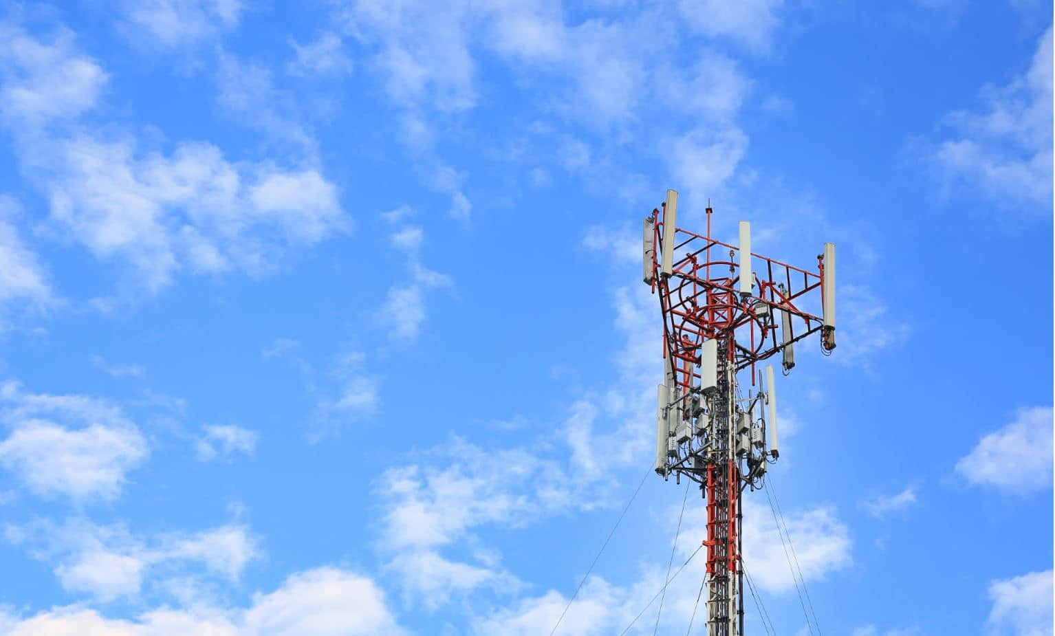 Phoenix Tower acquires Syscom Telecom, adds 80,000 sites to portfolio