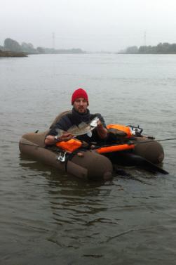 Markus mit einem Nederrijnzander, gefangen im Oktober 2014