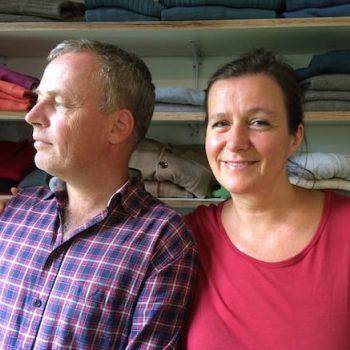 Tina und Jens Wrede in ihrem Shop Just Merino in Potsdam