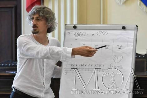 Federico Maria Sardelli. Photo credit: Studio Fotografico Rosellini
