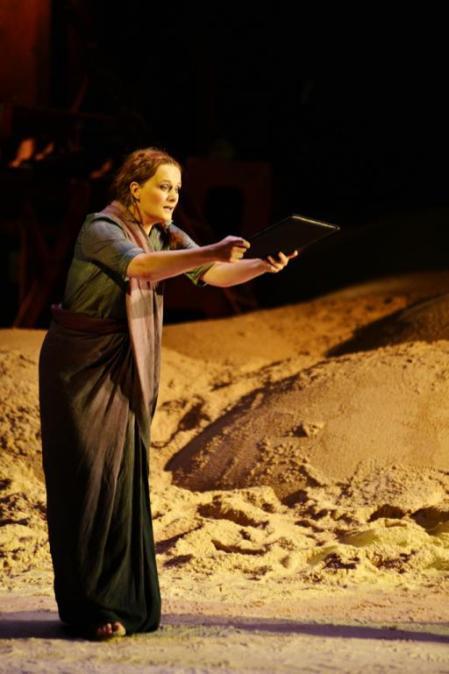 Magdalena Anna Hofmann è Senta in Der fliegende Holländer, Lione 2014 - Photo credit: Christel Mauve