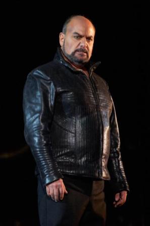 Roberto Frontali è Jago nellOtello di Verdi, Sferisterio di Macerata