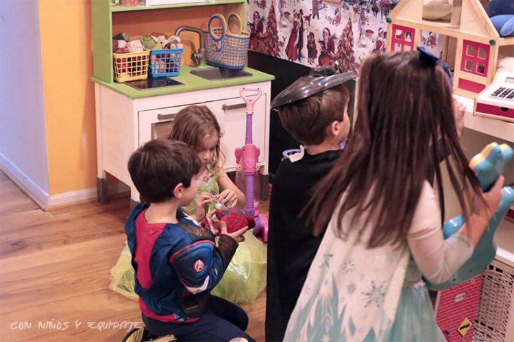 ludoteca con juguetes para niños